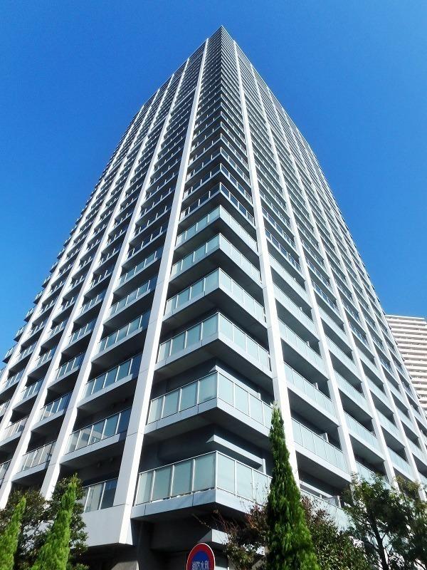 外観:32階建のタワー