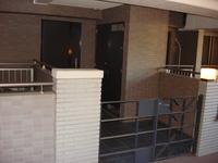 玄関:約7.2平米のゆとりある玄関ポーチと玄関横のトランクルームは便利