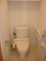 トイレ:ウォシュレット機能・手洗器付のトイレ