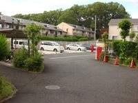 その他共有部:ゆとりある敷地、駐車場アプローチ