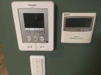 その他設備:モニターインターホン・全館空調システムスイッチ