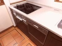 キッチン:食洗器、三口コンロ
